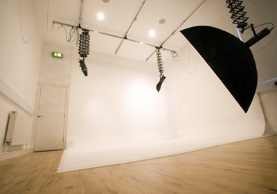 Snappy-Snaps-site-L-corporate-professional-photo-studio